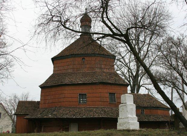 Церковь Святой Параскевы, Буск
