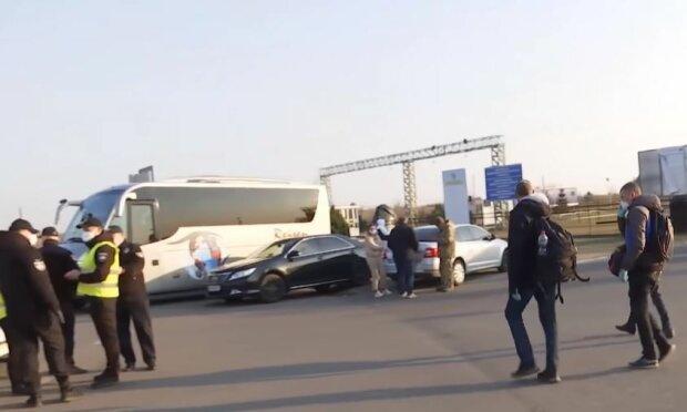 Українці на кордоні, скріншот: ТСН