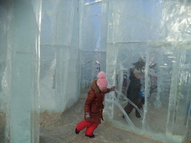 в ледяном лабиринте