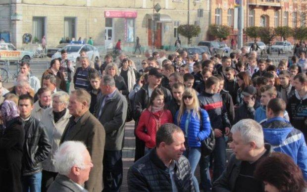 Після смерті студентки медиків виганяють на вулицю: що відбувається в Києві