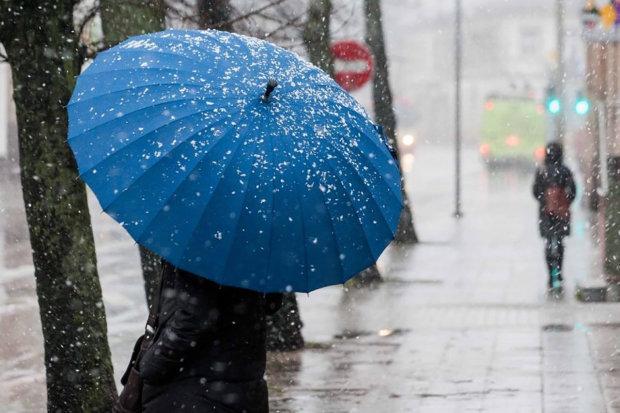 Екстремальне похолодання і сніг з дощами: синоптики підготували українців до найгіршого