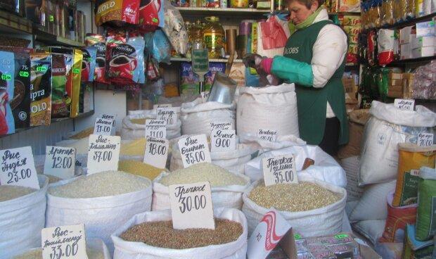 Украинцев напугали ценами на гречку, посеяли меньше: зимой побьет рекорды