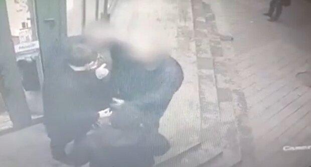 Драка в Тернополе, кадр из видео: YouTube