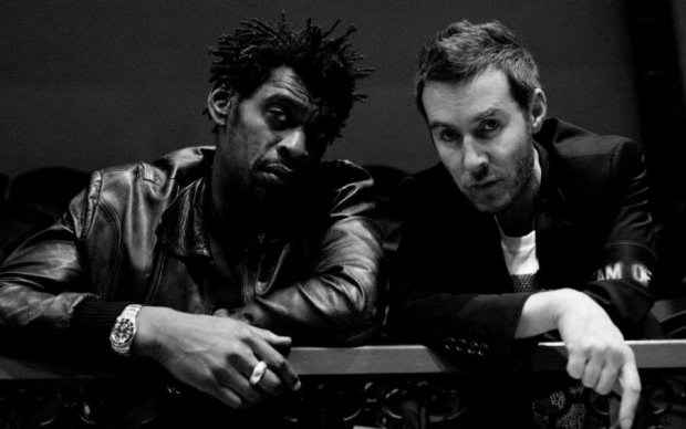 Музыканты из группы Massive Attack прогулялись по Киеву: яркие фото
