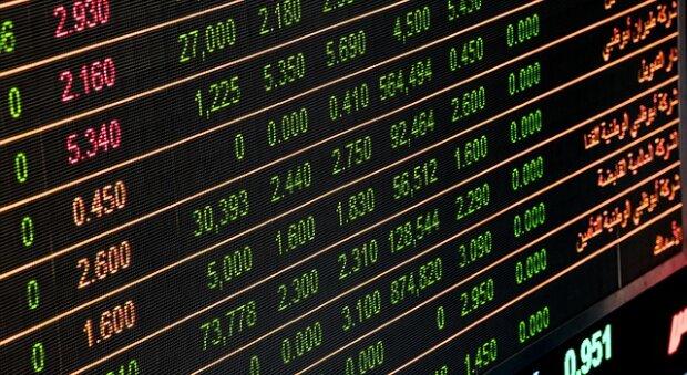 Курс валют на 28 ноября: счастье было недолгим - доллар начал возвращать свои позиции