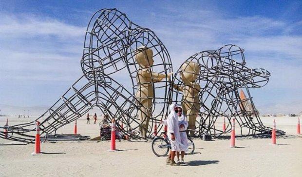 Одеські художники встановили скульптуру у США (фото)