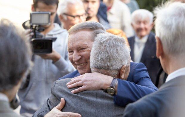 Раздал по 20 тысяч: Кучма внезапно нагрянул в Днепр, кто ушел от экс-президента с полными кошельками