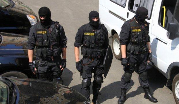 В Николаеве неизвестные в масках ограбили водителя на миллион гривен