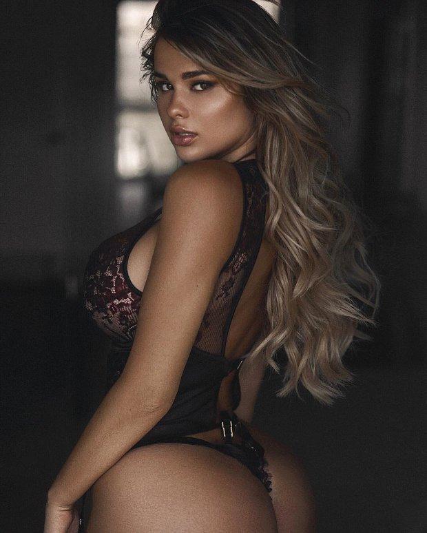 Сексуальные фото девушек модельной внешности