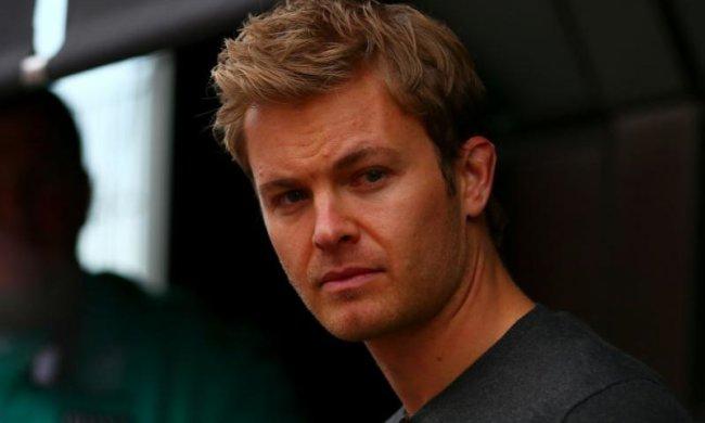Чемпіон Формули-1 ледь не втратив свій кубок через пошту