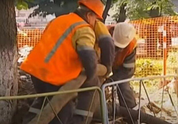комунальники, скріншот з відео