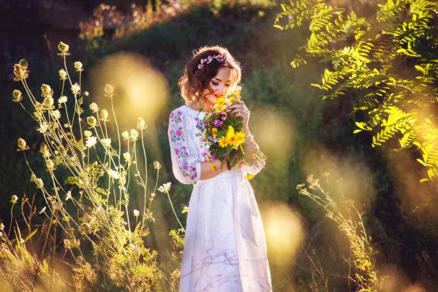"""""""Идеальный наряд для особых событий"""": украинские звезды-красавицы рассказали о любви к вышиванке"""