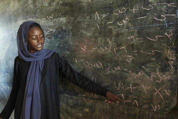 Кози в обмін на навчання та смерть від обрізання: вас глибоко шокує те, як живуть дівчата у сучасному світі
