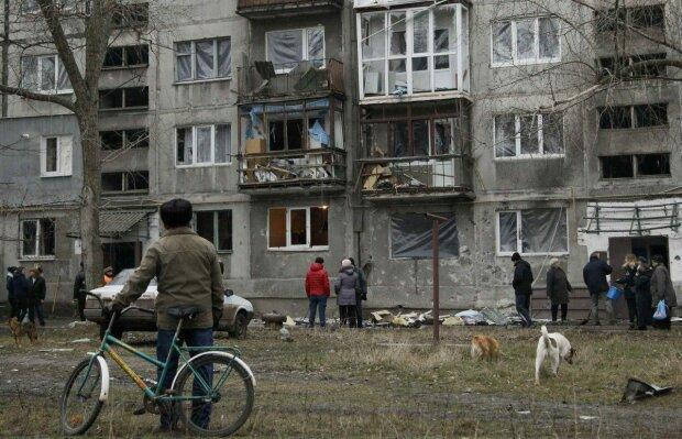 """На Донбасі на мирних громадян чекає небезпека на кожному розі: """"Тебе може вбити все, що завгодно"""""""