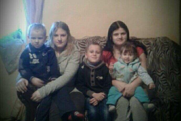 """Молодая украинка усыновила восемь братиков и сестричек после смерти мамы, сердце в клочья: """"Никому не отдам!"""""""