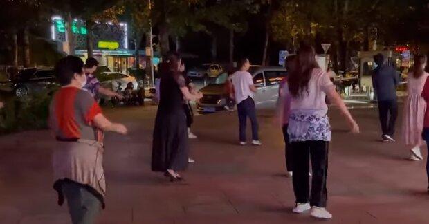 Танцующие бабушки, скриншот: Youtube