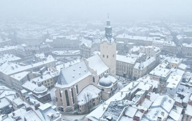 Зима штовхне львів'ян на слизьку доріжку: чого чекати від погоди 22 січня
