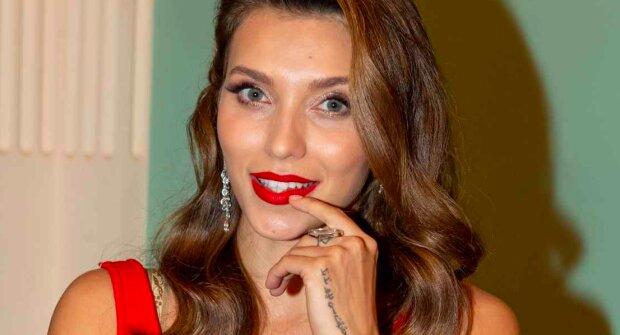 """Тодоренко підставила розкішні груди сонечку на Балі: """"Ого, як виросли!"""""""