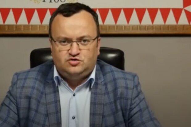 """Чернівецький ексмер Каспрук паралізував роботу міста – """"зажав"""" справи та ключі"""