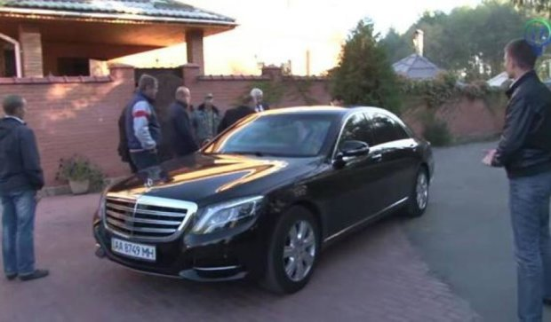 Шокин взял в аренду бронированный Mercedes из-за угроз