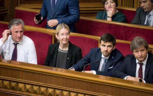 Медичний шок: Де лікуються нардепи і чого чекати українцям від прийнятої реформи
