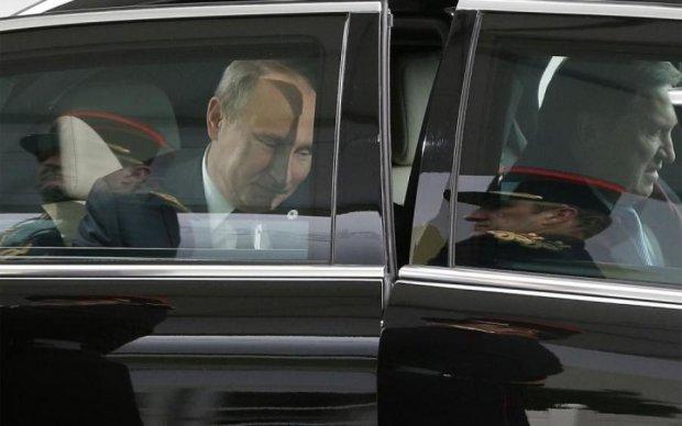 """Інавгурація Путіна: світ побачив ексклюзивний """"царський"""" лімузин"""