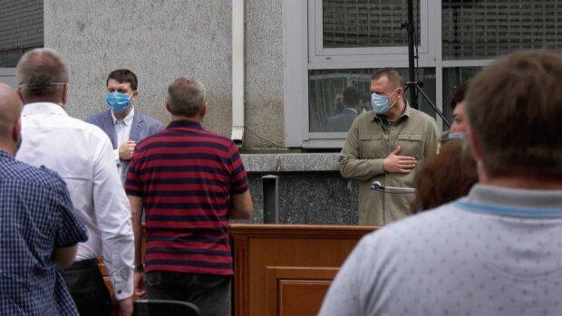 Днепровского депутата скосил китайский вирус — Филатов в ярости, под раздачу попали все
