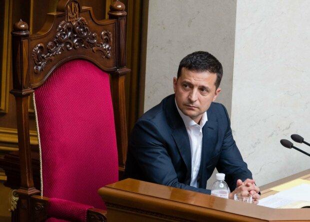 Зеленский уволил Бухарева с должности председателя Службы внешней разведки и сразу дал новую работу: детали