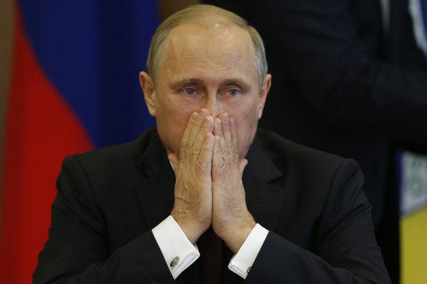 Разъяренные россияне требуют отставки Путина: минимитинг смельчаков показали в сети