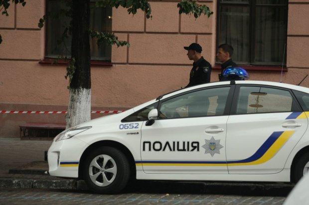Чоловік озброївся мачете і влаштував бойовик просто в центрі Києва
