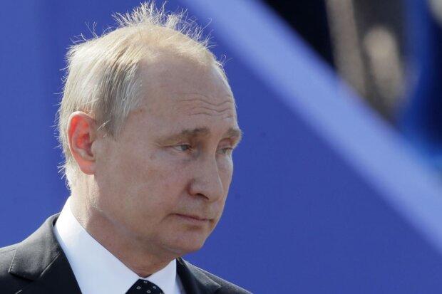 """Спливло секретне фото Путіна, версія про двійника не допоможе: """"Важко повірити, що це людина..."""""""