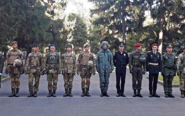 Новую обувь украинских офицеров показали в сети