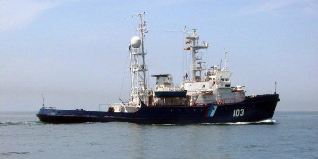 """Приказал таранить """"Яна Капу"""": российский корабль, который напал на наших моряков, снова ворвался в воды Украины"""