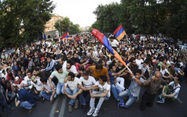 Ереван-Киев: что общего между протестами армян и украинцев