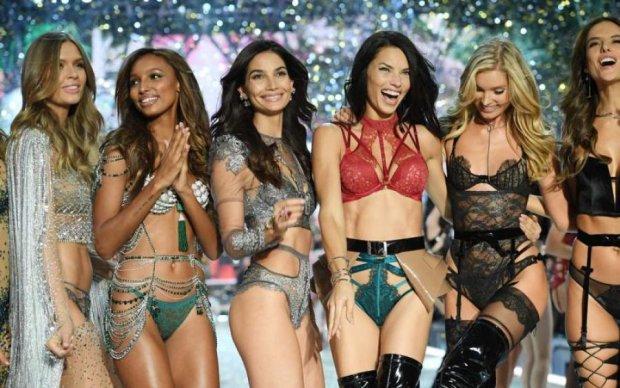Ангел Victoria's Secret впервые вышла в свет после родов