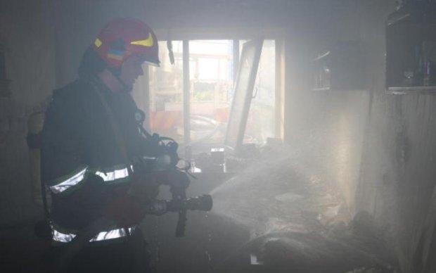 Каникулы закончились: в Киеве пылало общежитие