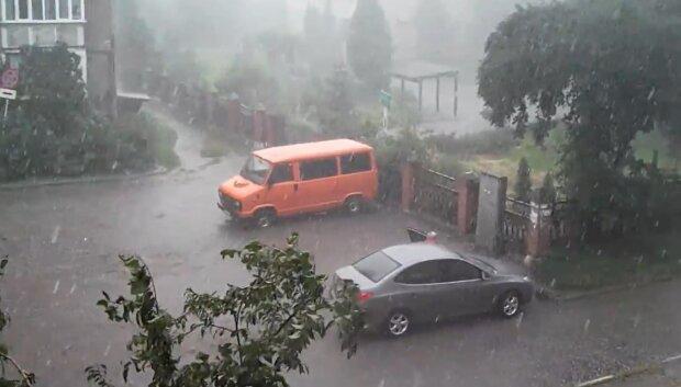 Франковчан зальет дождями в начале лета - первая неделя июня устроит украинцам игры на выживание
