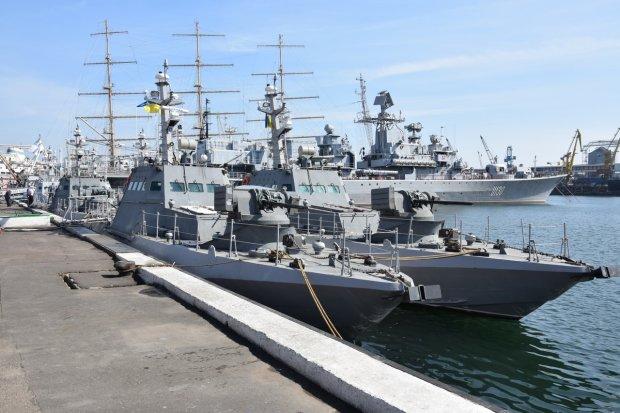 Какую паршивую броню поставили, не выдерживает даже пулемета: инженер показал Украине кое-что пострашнее военного положения