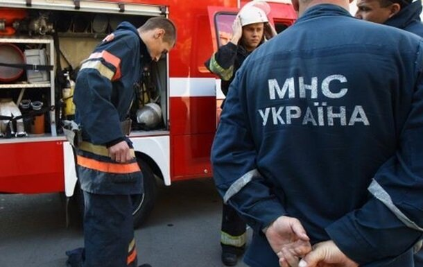 У Києві жінка потрапила до небезпечної пастки: кадри другого народження
