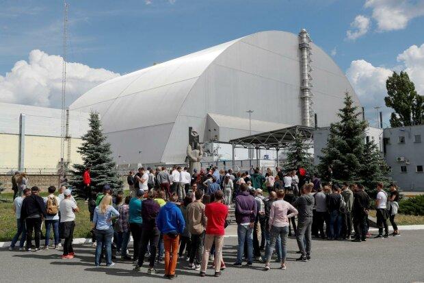"""Чорнобиль """"атакували"""" десятки тисяч туристів: як змінилася зона відчуження після серіалу від НВО"""