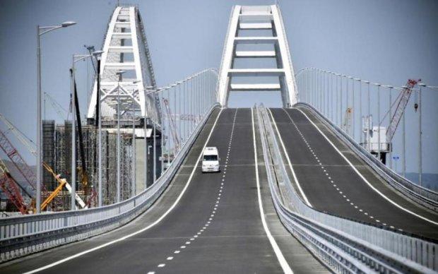 Мост пустой: в сети показали доказательства побрехушек путинских шавок