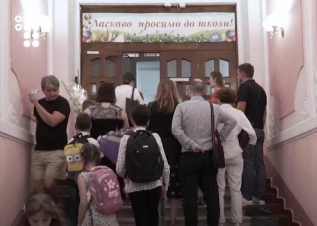 У Києві хлопчик з аутизмом перейшов до 6 класу, його обожнює вся школа - лікарі не давали шансів