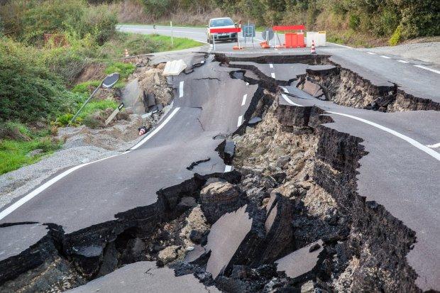 Толчки из-под земли: столица содрогнулась от землетрясения