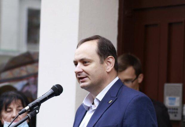 Марцінків вижене маршрутників з Франківська через школярів