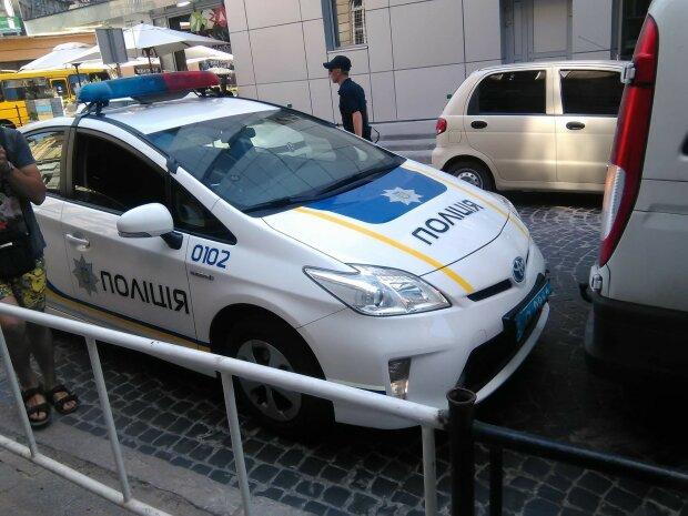 Нашли в такси со спущенными штанами: в Днепре мужчина умер во время интима
