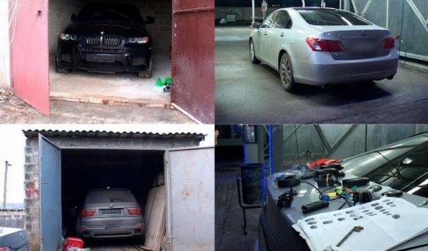 """Екс-спецназівець """"Кобри"""" організував банду з викрадення авто (відео)"""