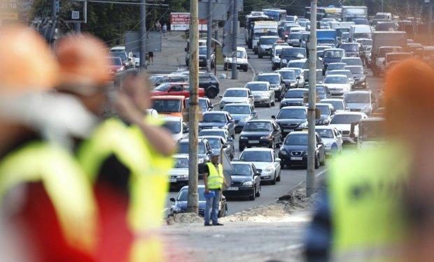 Одесситов маринуют в адских пробках, про авто лучше забыть: что происходит