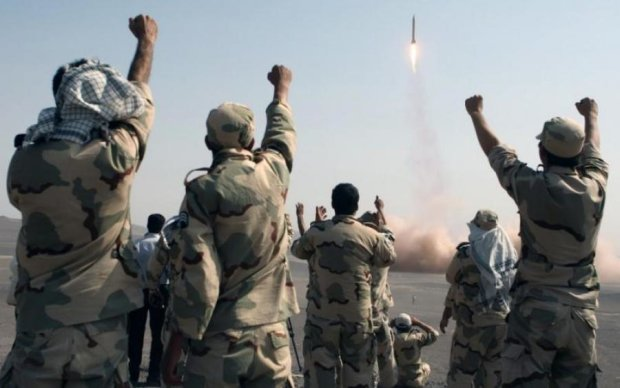Іран запустив ракети по Ізраїлю: відео