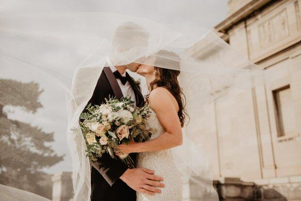 По любви или за деньги: миллионер решил проверить свою возлюбленную, готов заплатить десятки тысяч долларов