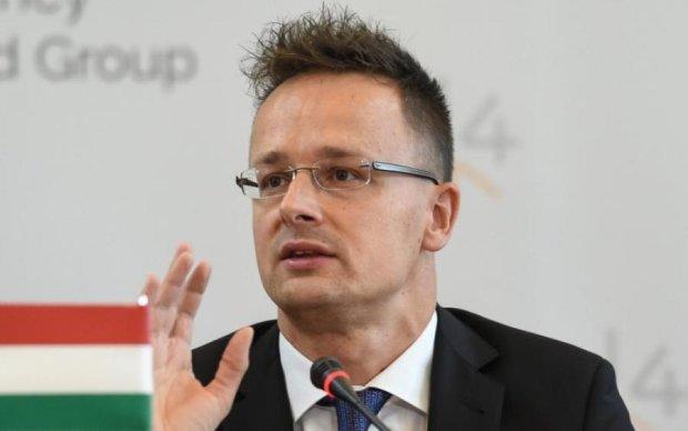 Україна в НАТО: Угорщина продовжує стромляти палиці в колеса